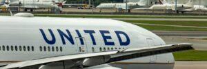 united_airlines_boeing_777_crop